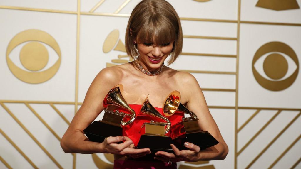 Taylor Swift fez história nos Grammy