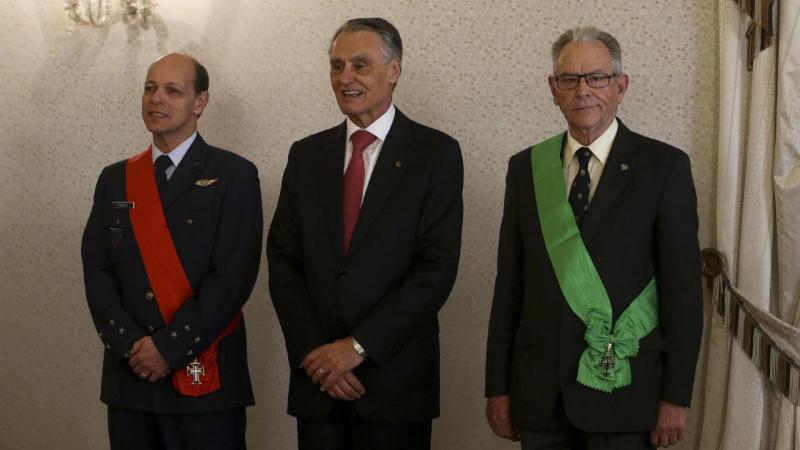 Cavaco condecorou o general José Araújo Pinheiro e o Tenente-General Joaquim Chito Rodrigues