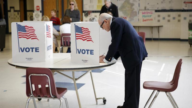 EUA: eleitores votam em Falls Church, Virgínia