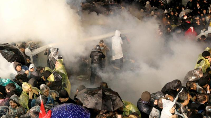 Polícia invade jornal Zaman