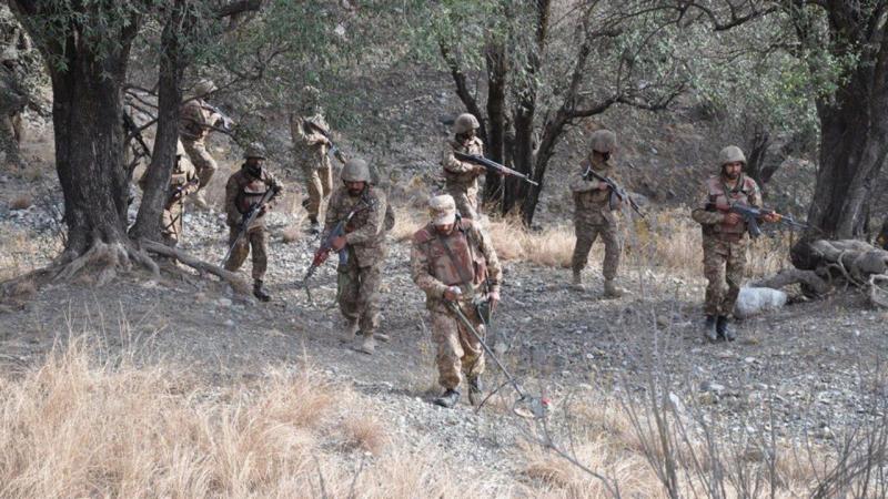 Exército paquistanês ataca