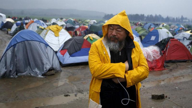 Ai Weiwei em visita ao acampamento de Idomeni