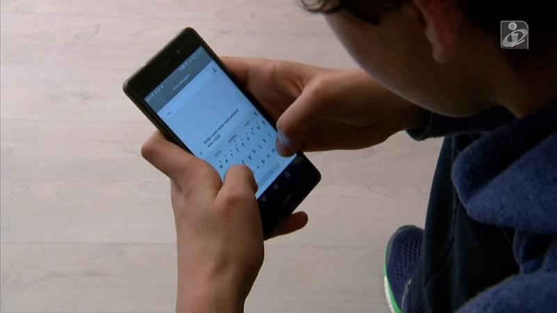 O pescoço do SMS: o que os telemóveis e os tablets estão a fazer à nossa coluna