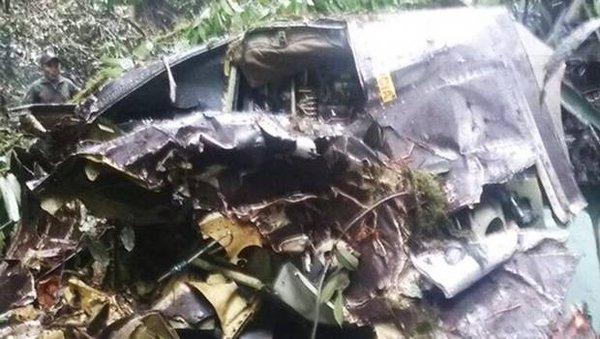 Avião da Força Aérea do Equador despenha-se