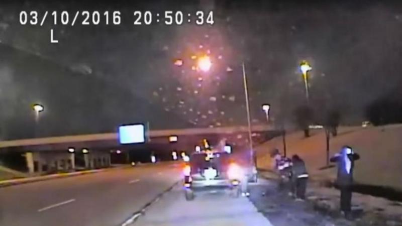 Imagem de videovigilancia da polícia de Schaumburg, no Illinois, EUA