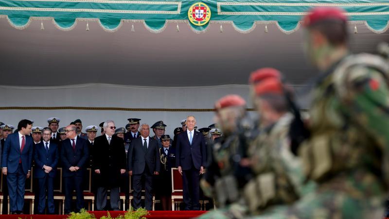 Marcelo Rebelo de Sousa é comandante supremo das Forças Armadas. Presidente recebeu cumprimentos dos três ramos, na companhia do Primeiro-Ministro