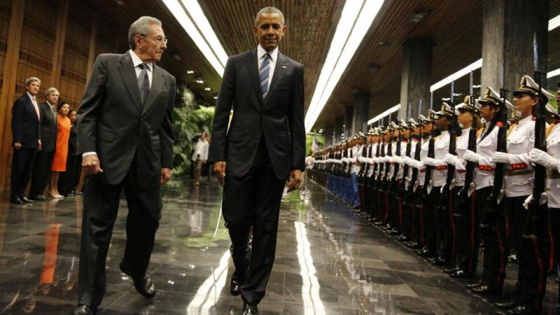 Barack Obama encontra-se com Raul Castro em Cuba