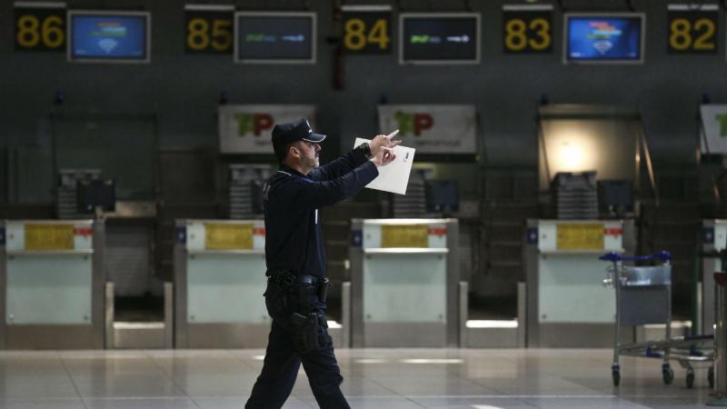Reforço da segurança no aeroporto de Lisboa (André Kosters/EPA)