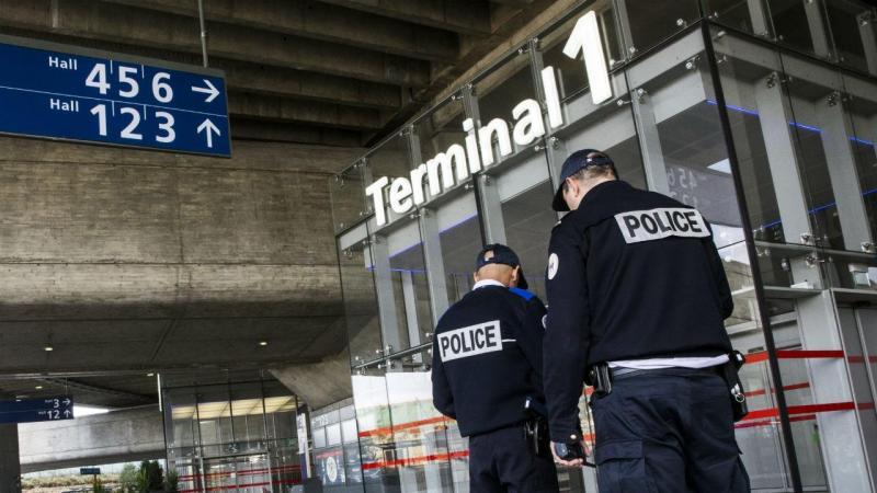 Terminal 1 Roissy - Charles de Gaulle, Paris, França (EPA)