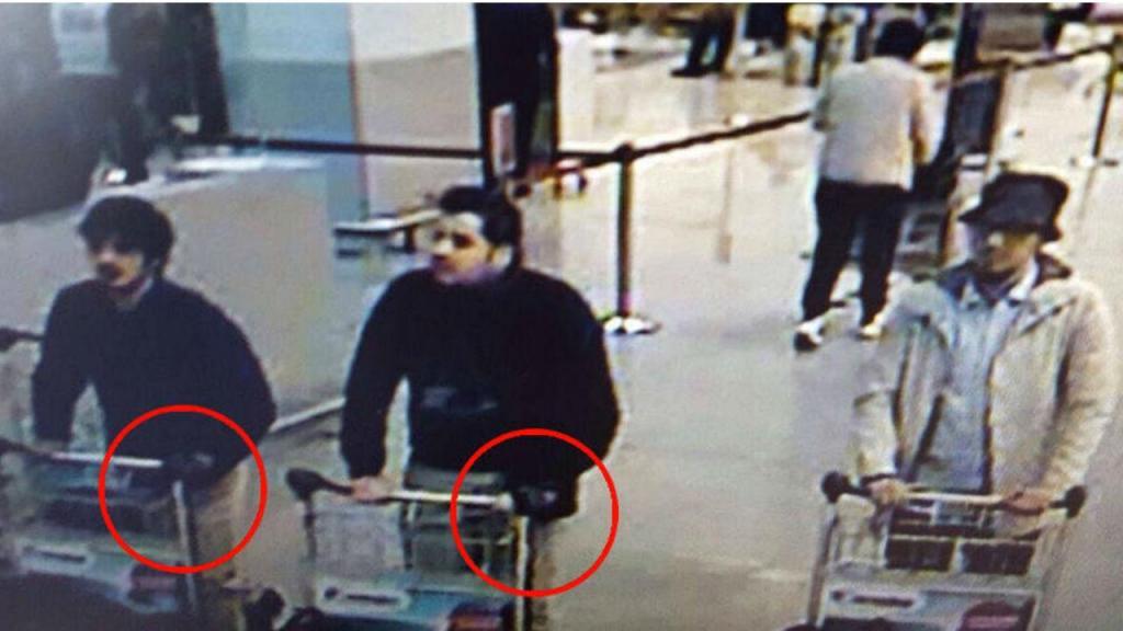 Divulgada nova imagem dos suspeitos, agora com mais um elemento