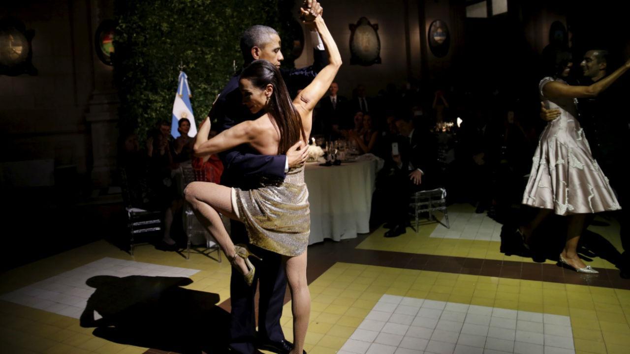 Barack Obama a dançar o tango