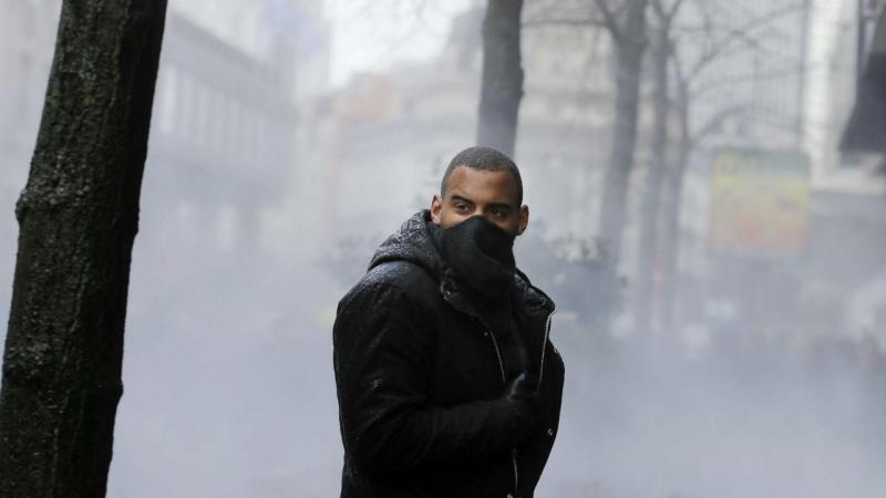 Tensão na praça da Bolsa, em Bruxelas, com grupo de extrema-direita (EPA)