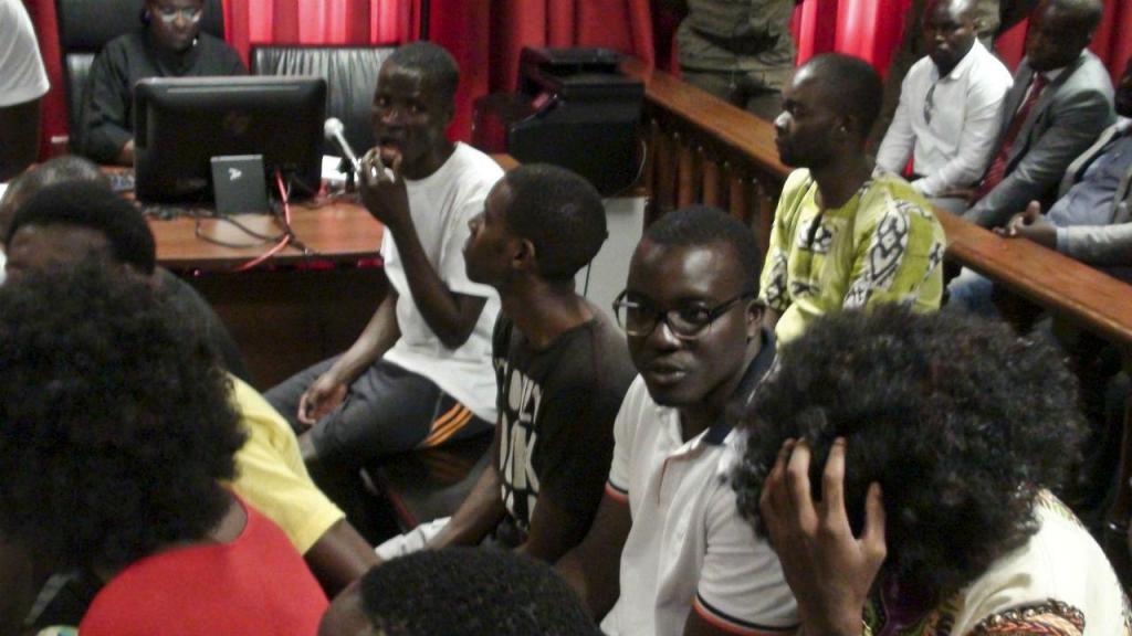Tribunal de Luanda condena ativistas a penas entre dois e oito anos de prisão efetiva