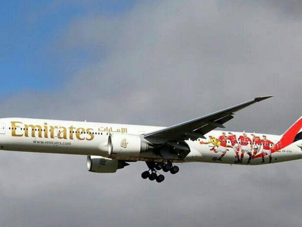 Avião à Benfica da Emirates