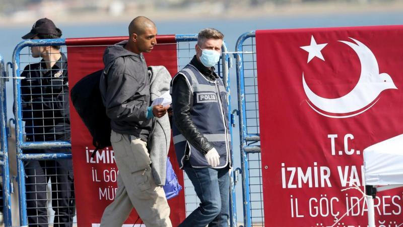 Migrantes chegam à Turquia