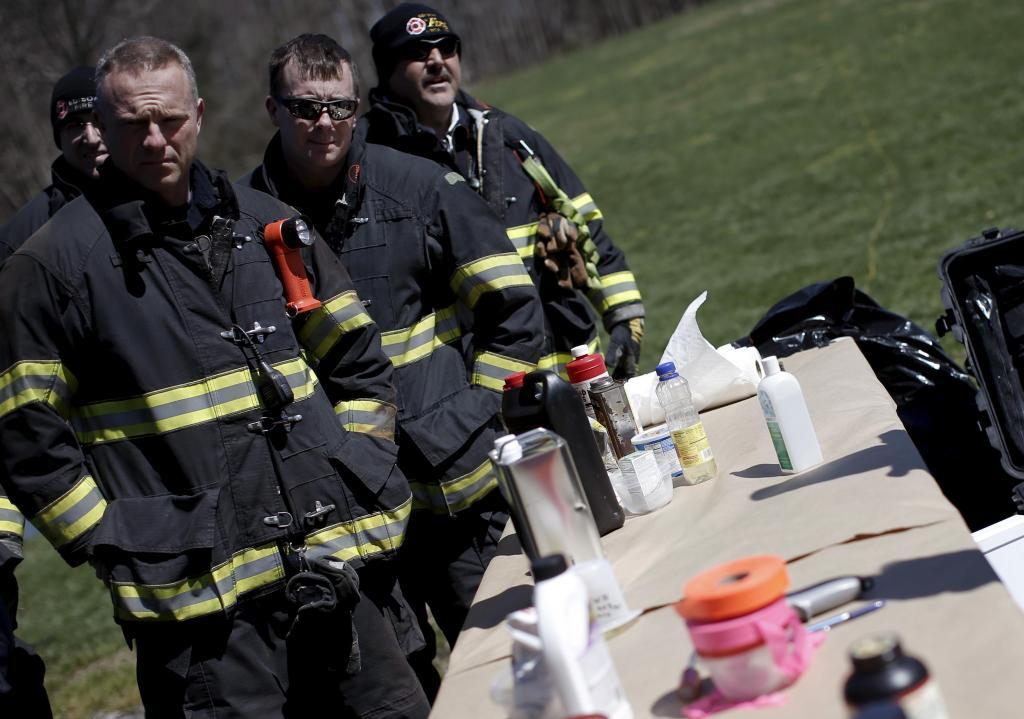 FBI explica como se faz uma bomba a polícias das bombas e armadilhas e à indústria farmacêutica