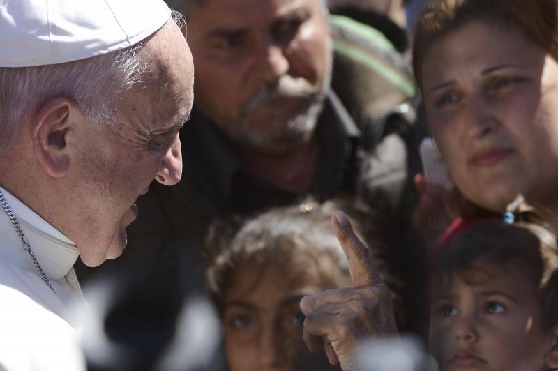 Papa visita campo de refugiados na ilha de Lesbos, Grécia