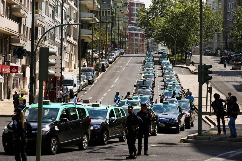 Protesto dos taxistas contra a Uber no país