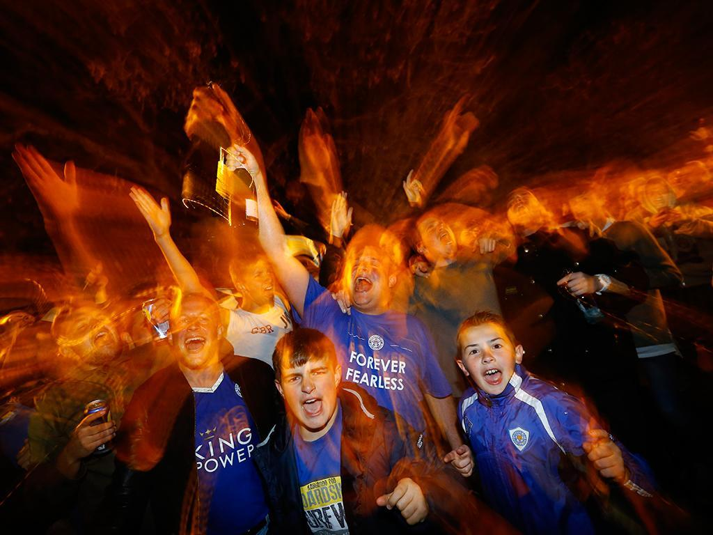 A festa dos adeptos de Leicester (REUTERS)