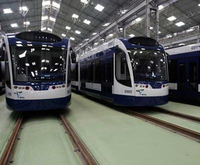 Algumas das carruagens que irão funcionar nas ligações do 1º troço do Metro Sul do Tejo - Foto Lusa, António Cotrim