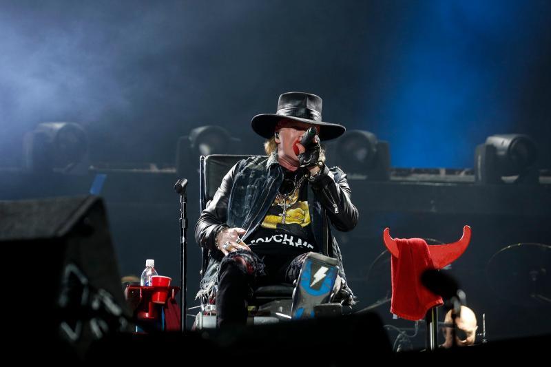 AC/DC em concerto em Lisboa na estreia de Axl Rose como vocalista