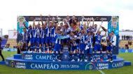 FC Porto B recebe troféu de campeão da II Liga (Foto LPFP)
