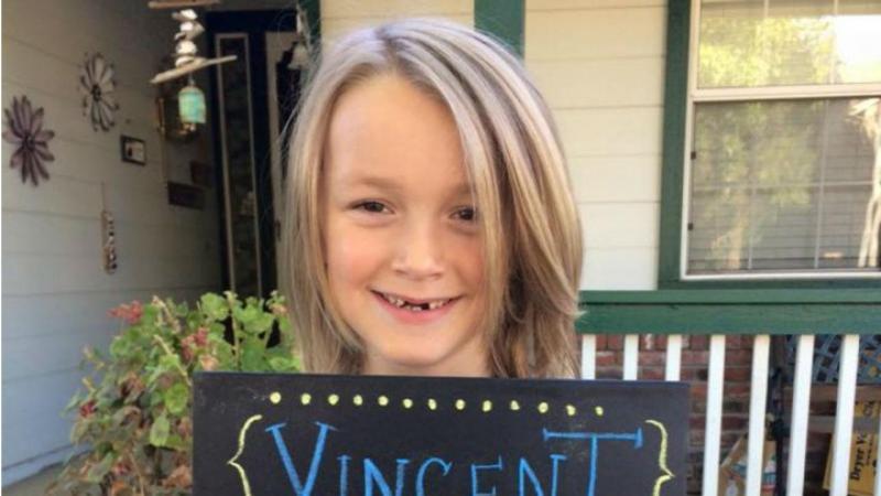 Menino que doou cabelo a crianças é diagnosticado com cancro