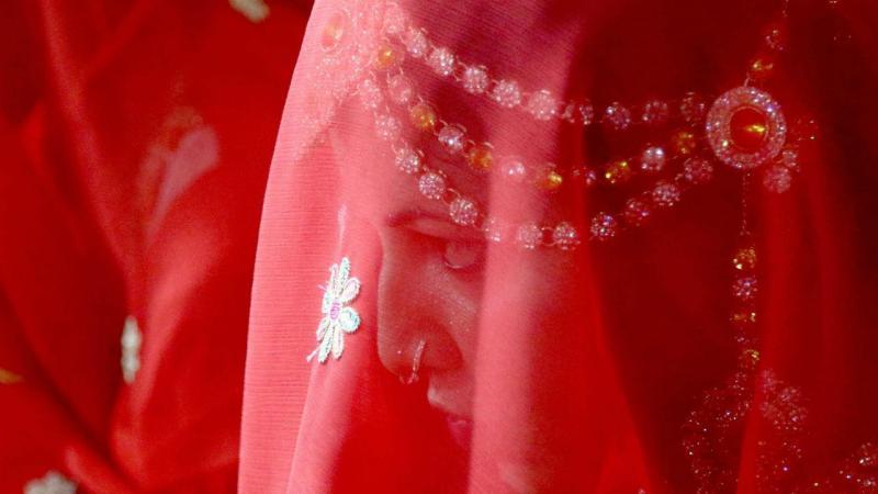 Noiva em cerimónia de casamento em massa no Paquistão