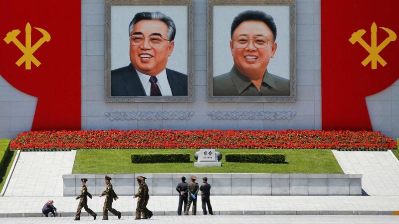 Congresso na Coreia do Norte termina com enorme parada em Pyongyang