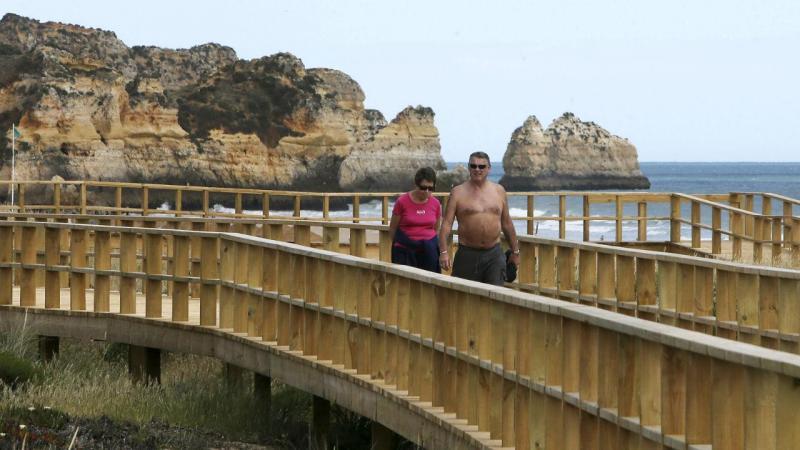 Novo passadiço na Praia do Alvor é o maior do Algarve