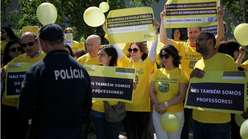 Protestos dos colégios com contratos de associação
