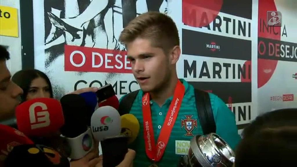 Diogo Queirós (sub-17): «Somos uma verdadeira família»