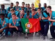 A chegada a casa dos sub-17 portugueses campeões da Europa (LUSA)