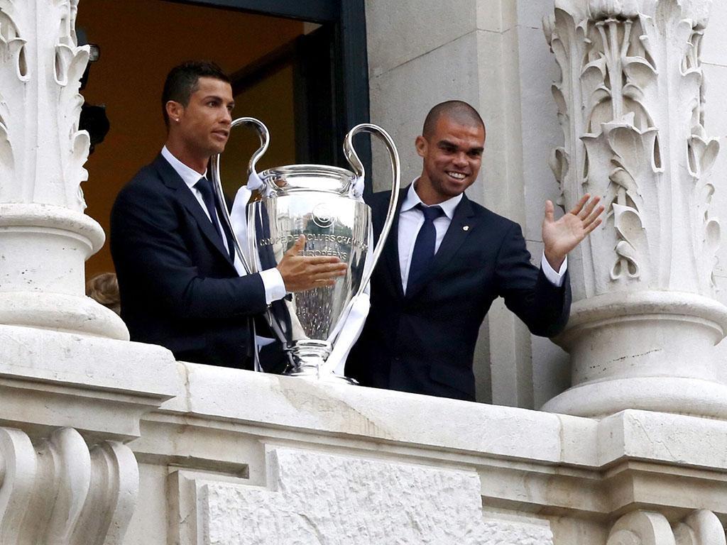 Cristiano Ronaldo e Pepe (Lusa)