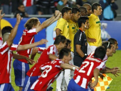 Brasil estreia com selecção renovada depois de lesões — Futebol/Copa América