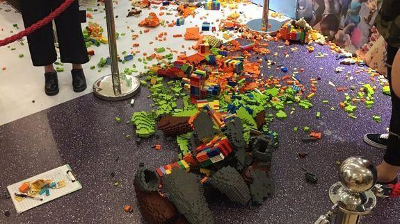 Escultura destruída