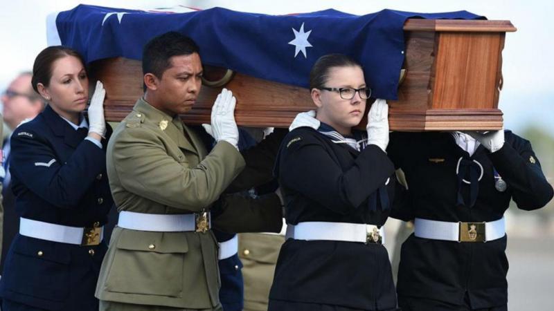 Repatriados corpos de 33 australianos mortos no Vietname