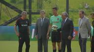 Primeiro-Ministro foi «reforço» no treino da Seleção