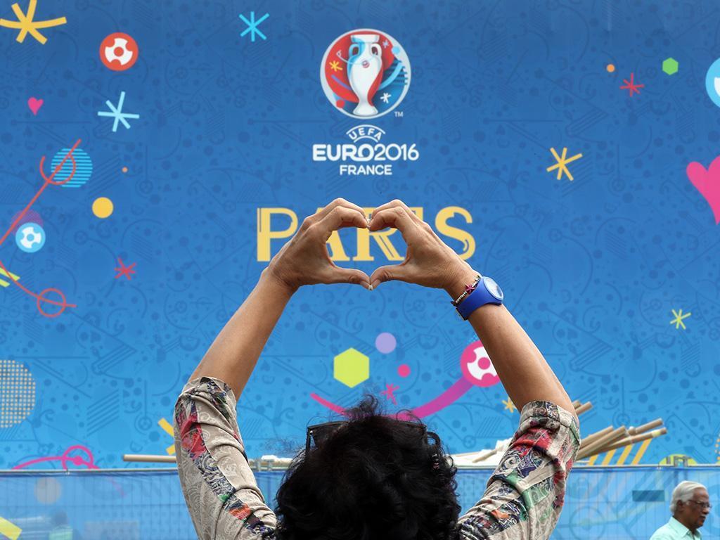 Febre do Euro espalha-se por Paris (Lusa)