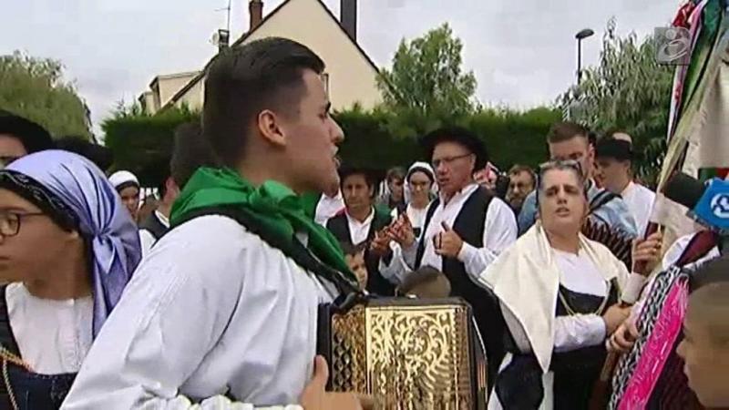 Treino da seleção decorreu ao som de rancho folclórico