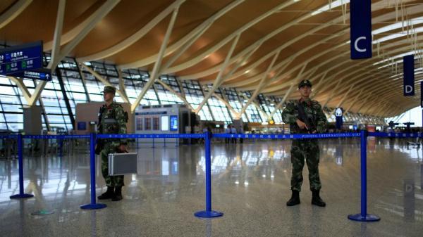 Aeroporto Xangai : Ataque no aeroporto de xangai faz cinco feridos tvi