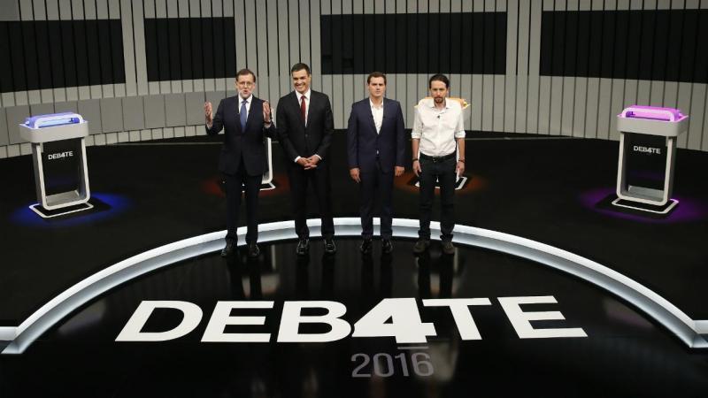 Mariano Rajoy (E), Pedro Sánchez (2E), Albert Rivera (2D) e Pablo Iglesias (D)