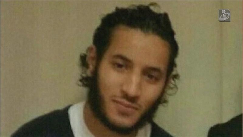 Casal de polícias esfaqueado por homem do Estado Islâmico