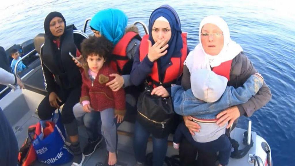 Polícia Marítima na Grécia resgata 42 migrantes de dois botes no Mar Egeu