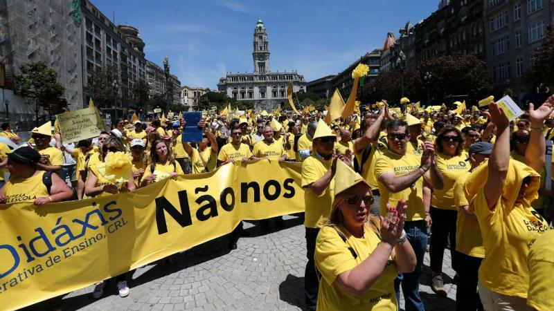 Colégios privados manifestam-se no Porto