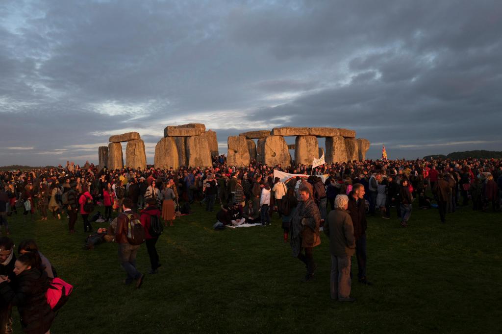 A comemoração do solstício de verão em Stonehenge, no Reino Unido