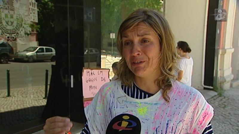 Guarda dos filhos: mãe em greve de fome faz queixa da juíza