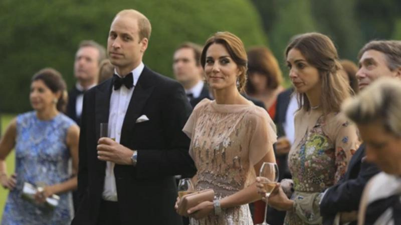 Duques de Cambridge em jantar de gala do Hospital Pedopsiquiátrico de East Anglia