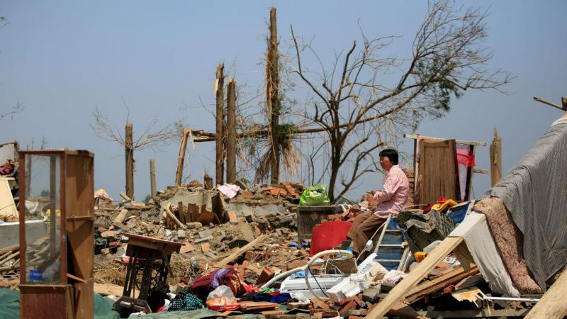 Tornado faz milhares de desalojados