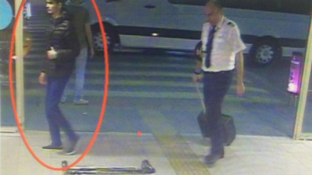 Suspeitos dos ataques de Istambul